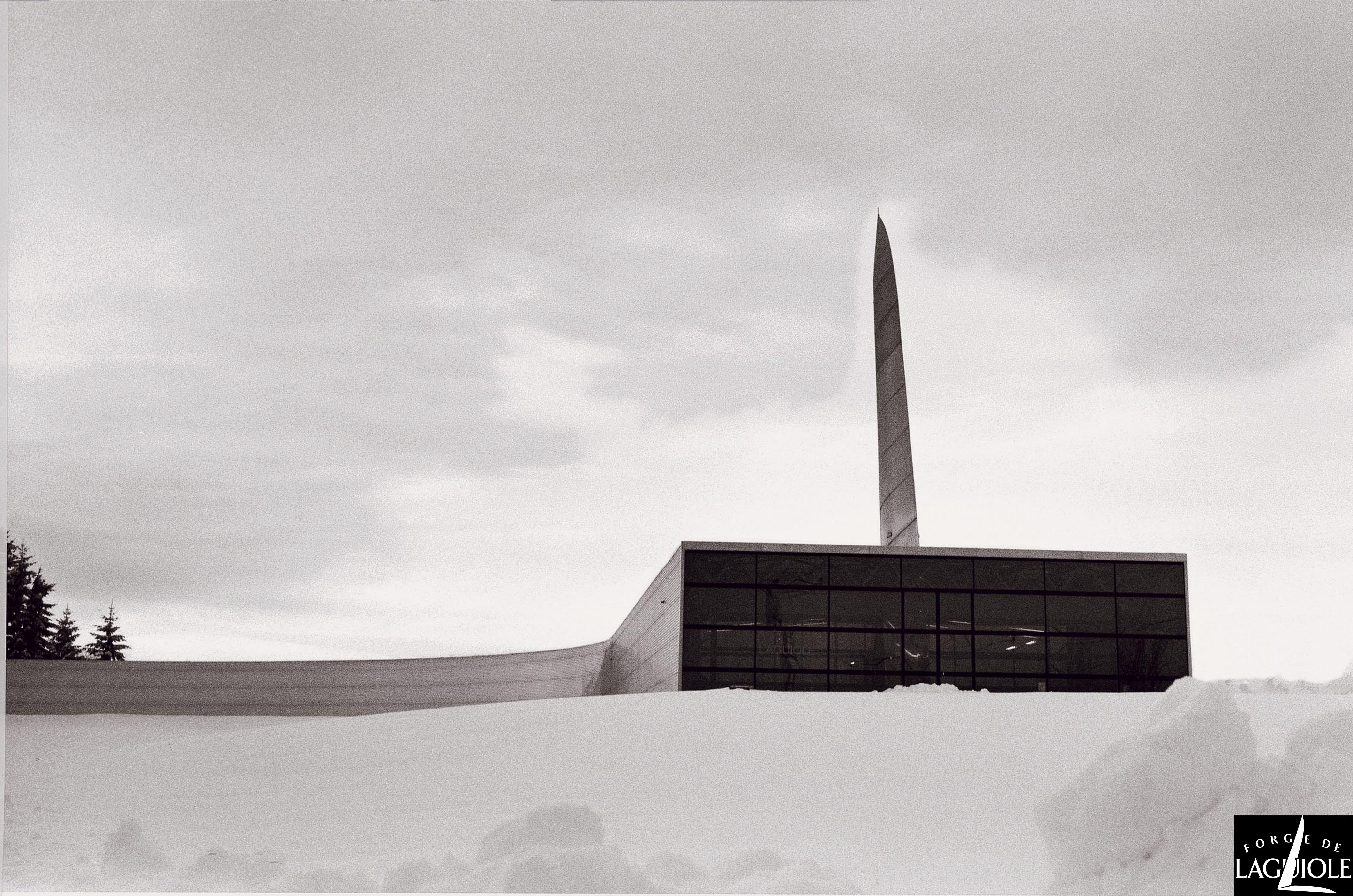 Le bâtiment de Forge de Laguiole a secellé le destin de l'entreprise avec le design.