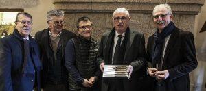 Messieurs le Premier Adjoint, Marc YREUX ; Jérôme SAYSSET à l'initiative du projet ; Thierry MOYSSET, Gérant de la Forge de Laguiole ; le Maire, Yan GALTON et Vincent ALAZARD, Maire de Laguiole.